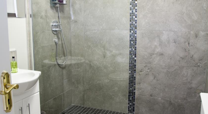 Shower Facility in the Suite at Seafort Luxury Hideaway