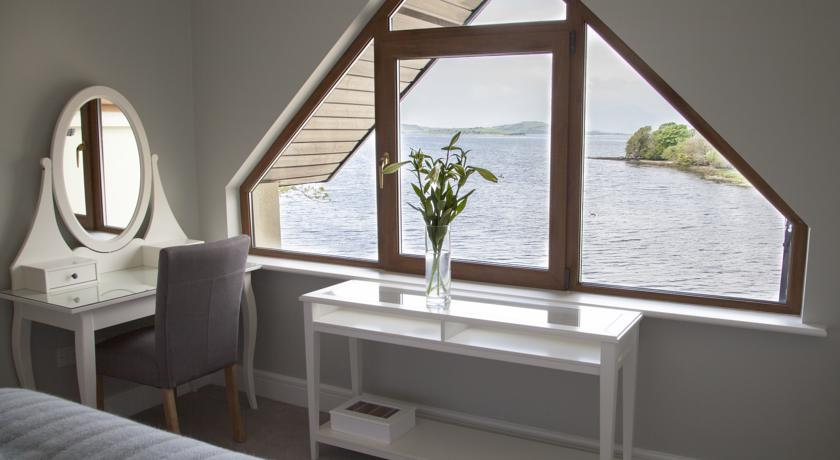 Guestroom with Seaview at Seafort Luxury Hideaway